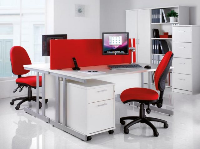 Home In Altiro 370 Fabric Swivel Task Office Chair - Red